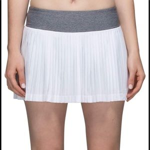 Lululemon athletica white pleaded skirt